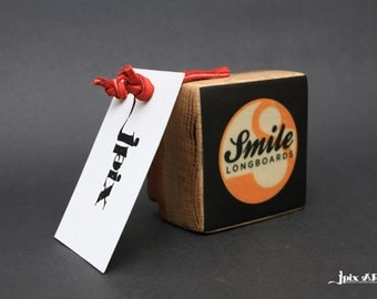 Smile Longboards - Glow in the dark - Transfer image on Wood with bark on