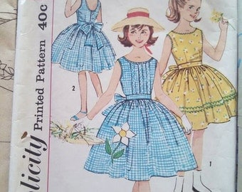 Simplicity 3495 Girls One-Piece Dress and Sash ---Transfer included Size 10 Vintage CUT