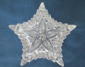 Vintage Lead Crystal Star Trinket Box Made in Yugoslavia Vanity Dresser Boxes Holiday Gift Box Keepsake Box Jewelry Box