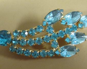 Vintage Rhinestone Brooch Goldtone, Ice Blue