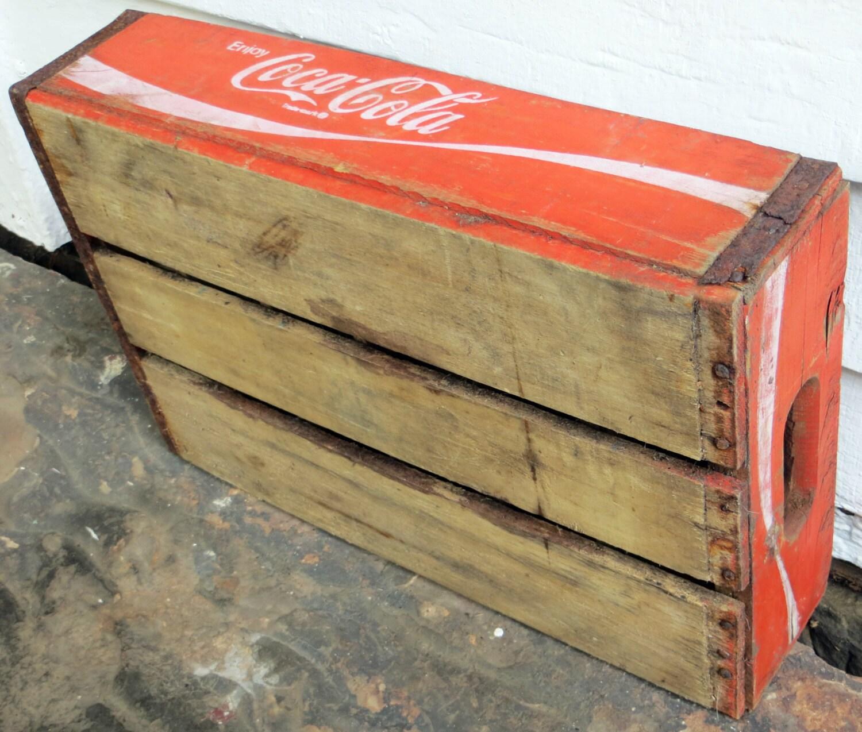 rustikale holz cola kiste vintage red coca cola holzkiste. Black Bedroom Furniture Sets. Home Design Ideas