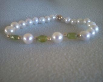 peridot and pearl bracelet