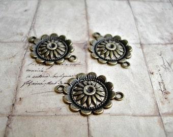 6 Antique Bronze Round Connectors Flower Pattern