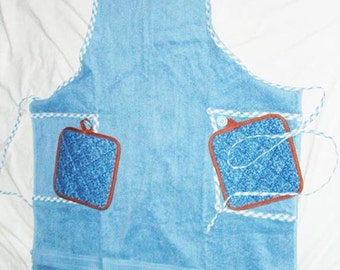 Blue full length apron with two potholders, SALE