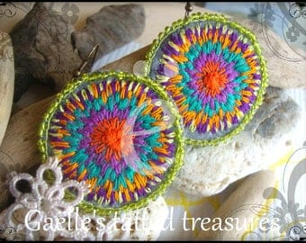 Psychedelic Dream, Hand emroidered felt earrings