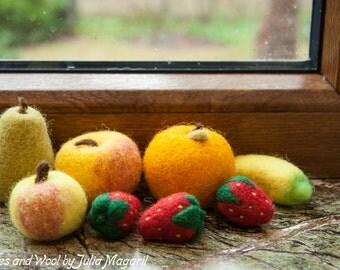 Needle felted play fruit set. Play food. Pretend food. Play kitchen. Kitchen decor set. Handmade play food. Handmade fruit. 8 pcs.