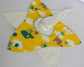 "Biological Doudou: Elf-Star ""in the clouds"", yellow, green, white background"