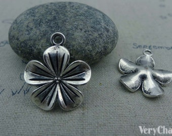 10 pcs of Antique Silver Lovely Flower Charms 19x19mm  A1009