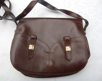 1970 French Vintage  brown shoulder Bag  , faux leather  hand bag