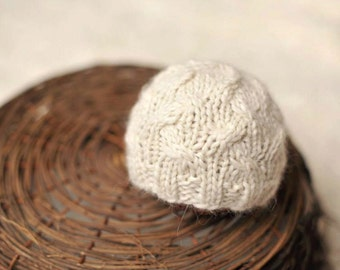 Newborn knitted beanie.. newborn hat.. newborn beanie... newborn photography prop...newborn knit hat