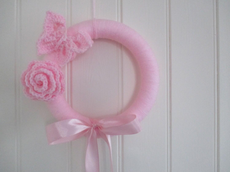Fiocco nascita ghirlanda rosa con farfalla e rosa for Decorare la stanza di un neonato