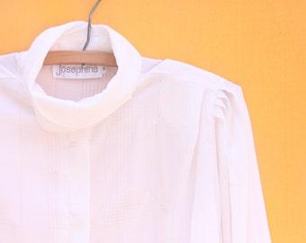 Vintage Blouse: White/ Women's Size 10 Medium [Retro Womens Shirt Button Down White Top Size 10 Medium] 36 inch waist