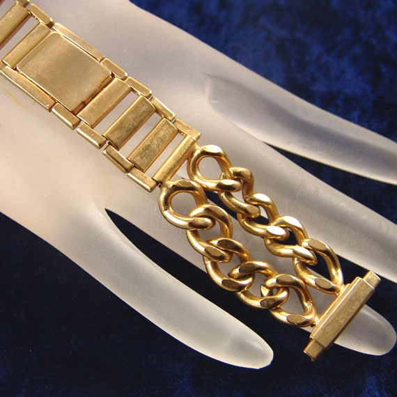 how to open a chain watch band