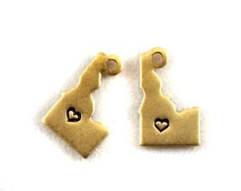 2x Brass Idaho State Charms w/ Hearts - M073/H-ID