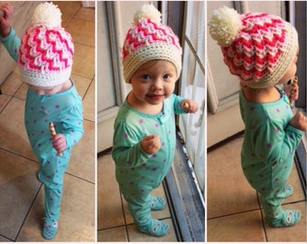 Zig zag hat with pom-pom in your choice of colors