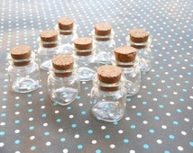 20 Pcs Triangle shape bottom Mini glass bottles with corks 20x 24mm