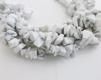 White Howlite Chip Beads 34 Inch Strand 5-8mm, Craft Supplies, Beads, Chips, UK Seller (GB1087)