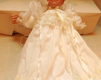 "Sale!  20% off.  Exceptional Lee Middleton Baby doll, 22"", 1985.  Was 44.99"