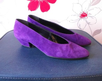80s GENUINE SUEDE SHOES. small size 7 or big size 6.