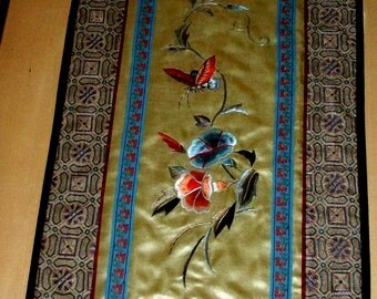 Vintage Chinese HAND EMBROIDERED Art Silk TAPESTRY featuring Butterflies flowers - Very Nice Hardwood Traditional custom frame