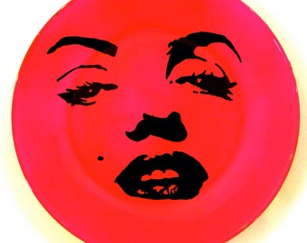 Marylin Monroe plate  hot pink