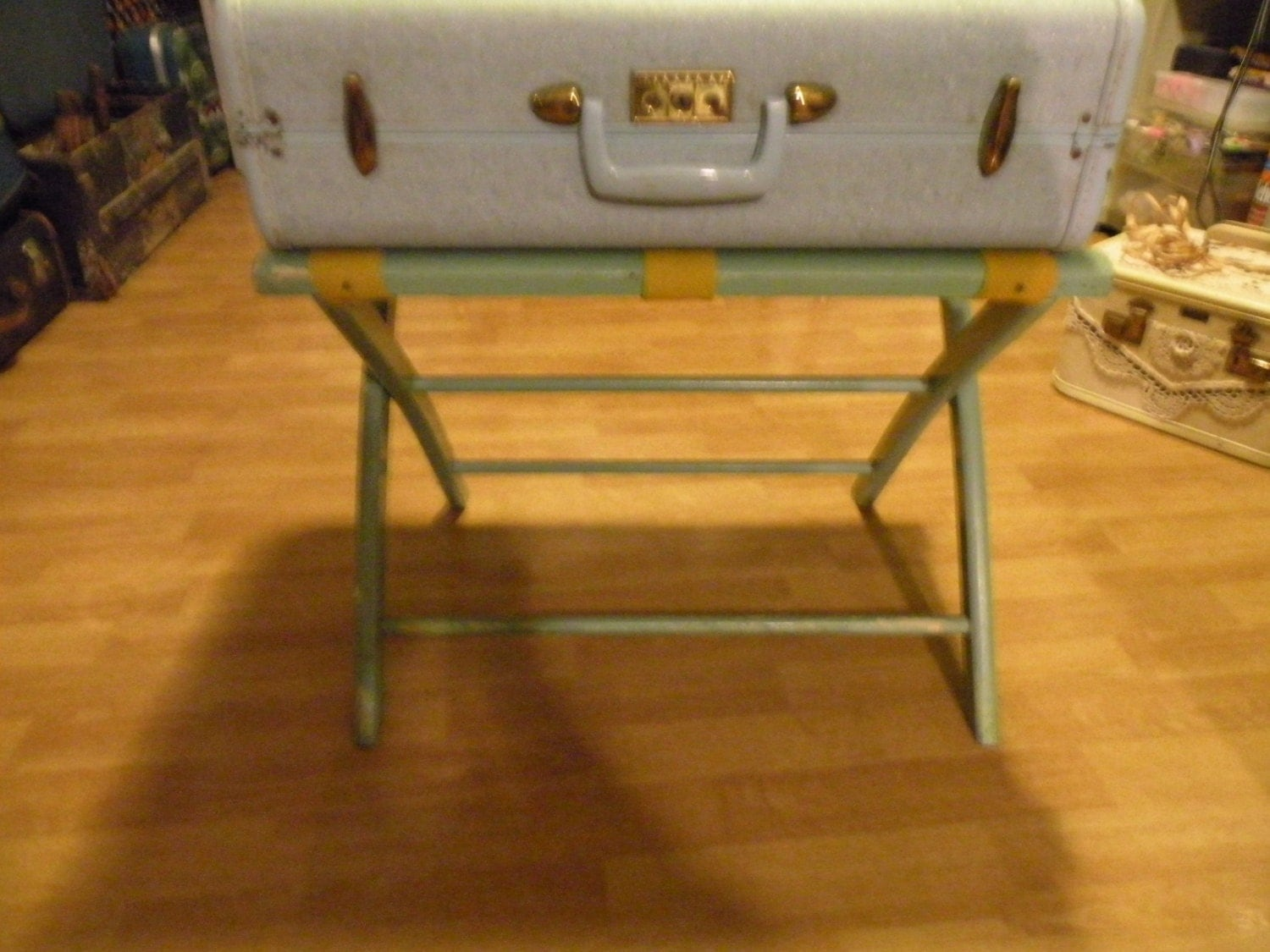 Valise rack porte valise valise hotel stand pieds de table for Table valise