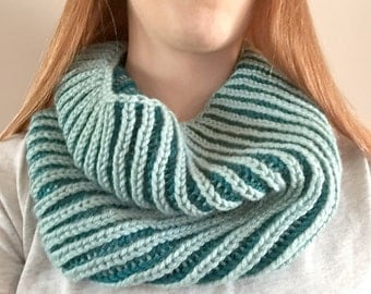 Reversible Teal Brioche Cowl