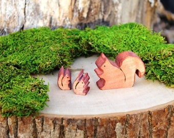 Wooden Squirrel Family Toy - Natural Eco Friendly Waldorf Toy