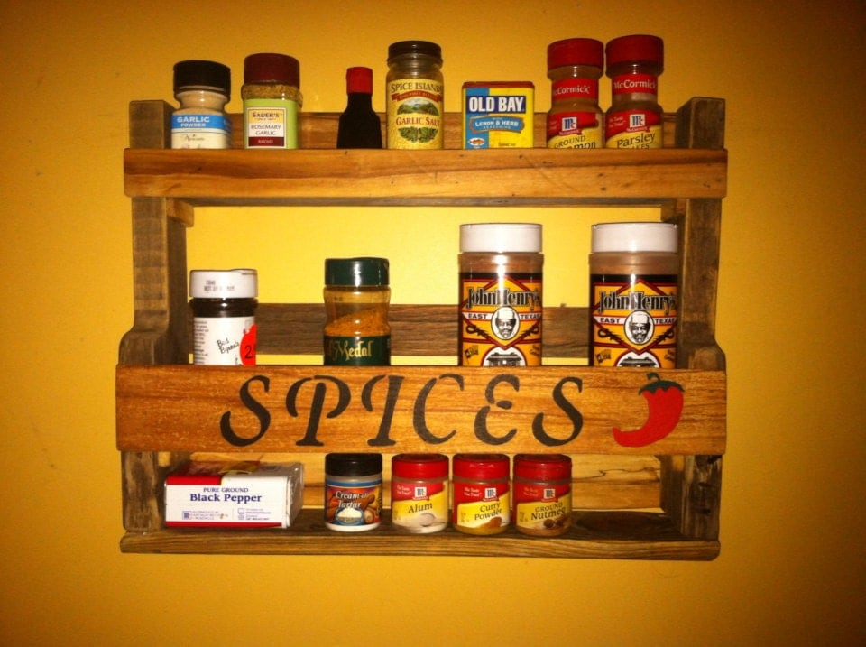 Reclaimed pallet spice rack with hand painted lettering and for How to make a spice rack out of pallets