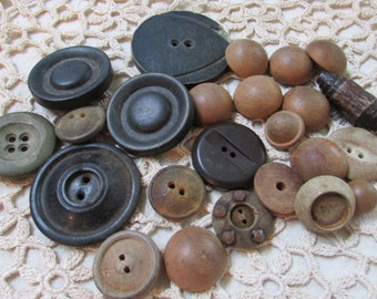 Old slightly scruffy wood buttons recycled reclaimed lot of 25