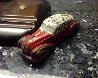 1930's Sun Rubber Co. Teardrop Steamline Rubber toy car.