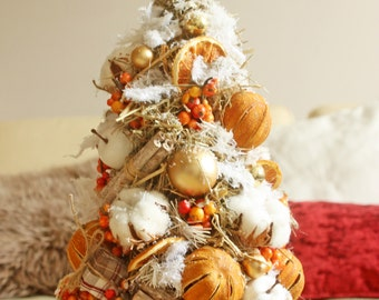 Orange Tree handmade. Height 50 cm, diameter 25 cm. Herringbone decorated oranges, cinnamon and cotton.