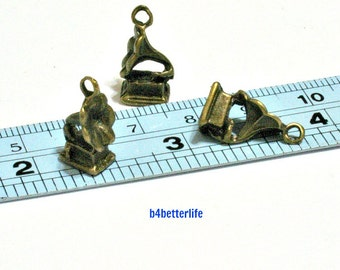 "Lot of 24pcs Antique Bronze Tone ""Gramophone"" Metal Charms. #BC3453."