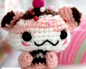 Kawaii Hamster Cupcake (Chocolate & Strawberry flavour)