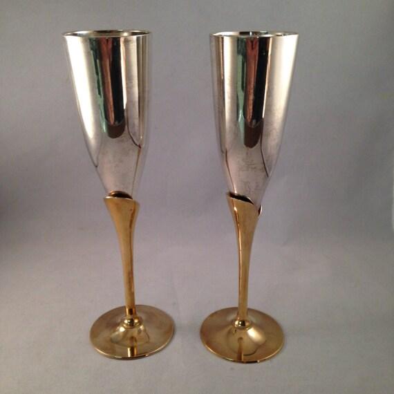 flute a champagne en metal
