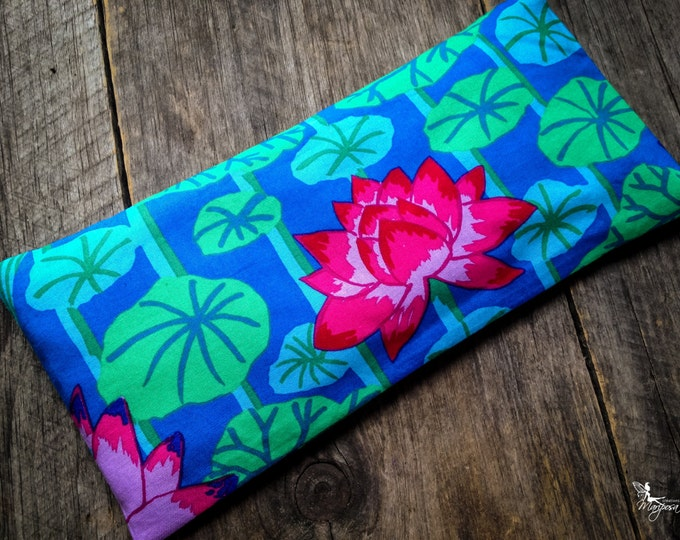 Lotus Yoga eye pillow Lavender or camomile aromatherapy meditation relaxation Handmade by Creations Mariposa RY-LM