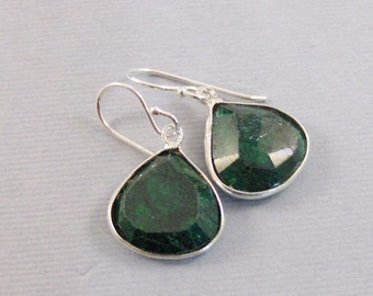 Emerald Earring,Earring,Genuine Emerald,Green Earring,May Birthstone,May Earring,Emearld STone,Genuine Emerald,May Birth SeaMaidenJewelry