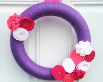 Spring yarn wreath, summer yarn wreath, purple wreath, felt flowers wreath
