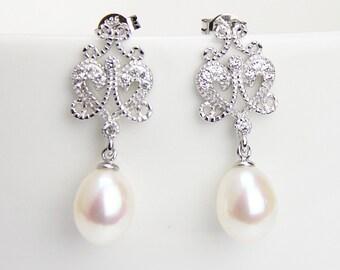 Drop pearl earings,crystal and pearl filigree bridesmaid earrings,pearl drop earings,bridal pearl earrings,chandelier wedding earrings
