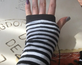 fingerless, gloves Free fingers tendency spring striped black and white color
