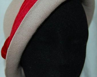 Beige felt hat/ Handmade hat/ Cloche hat