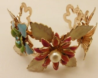 Gold Tone Enamel Flower Cuff Daisy Bracelet, Fashion Jewelry