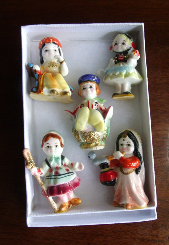 Vintage Disney Its A Small World Miniature Figurines By Antiquemee