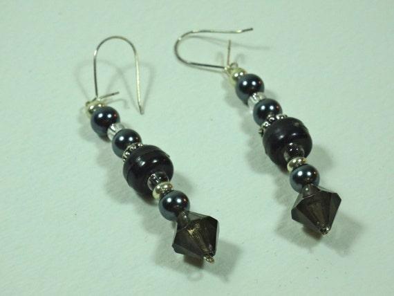 Silver-color metal /black beaded earrings
