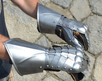 Medieval Gauntlets Gloves Finger Armor Armour Middle Ages Sword Fighting Battle Ready