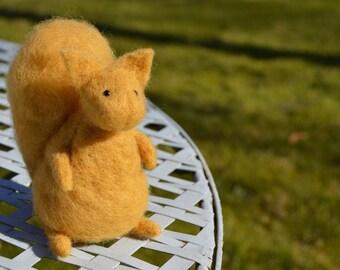 Miniature Needle Felt Squirrel, Felted Animals, Soft Sculpture, OOAK, Felt, Little Squirrel, Dolls and Miniatures, Forest Critter, Fibre Art