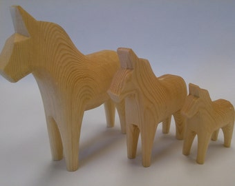 Wooden Dala Horses natural unfinised genuine Swedish Dala Horse, 7,10,13cms from top if ears to bottom of front legs
