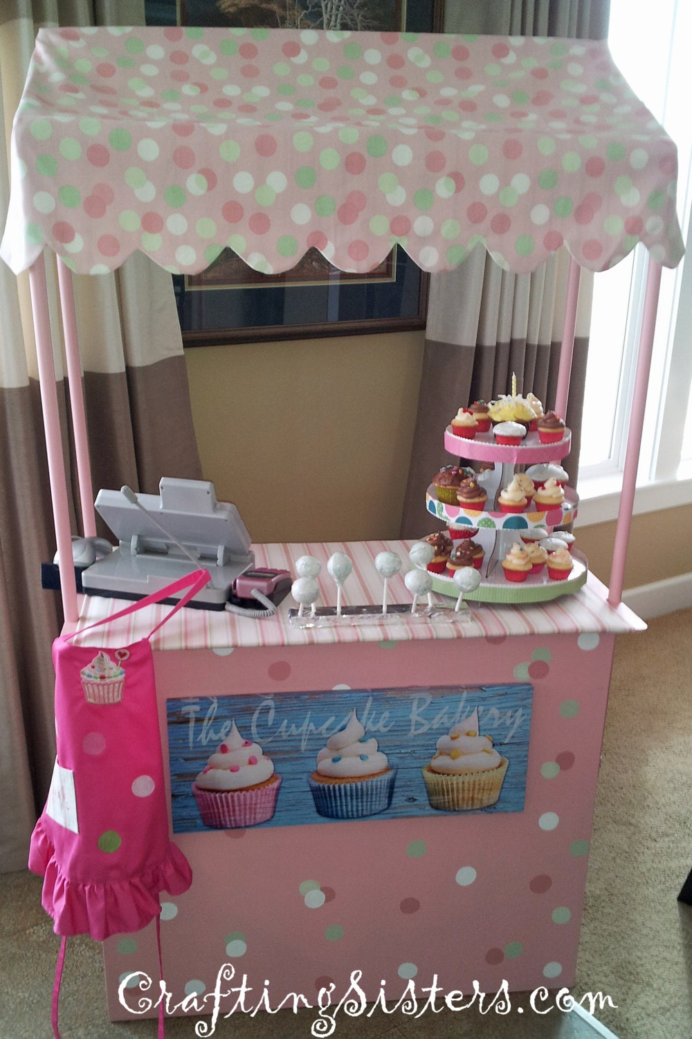 Lemonade stand or cupcake stand for Cupcake stand plans