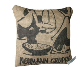 Cushion Vietnam Coffee Newmann Gruppe in black, made with recycled coffee sack fabric. Ecologic. Insert included.