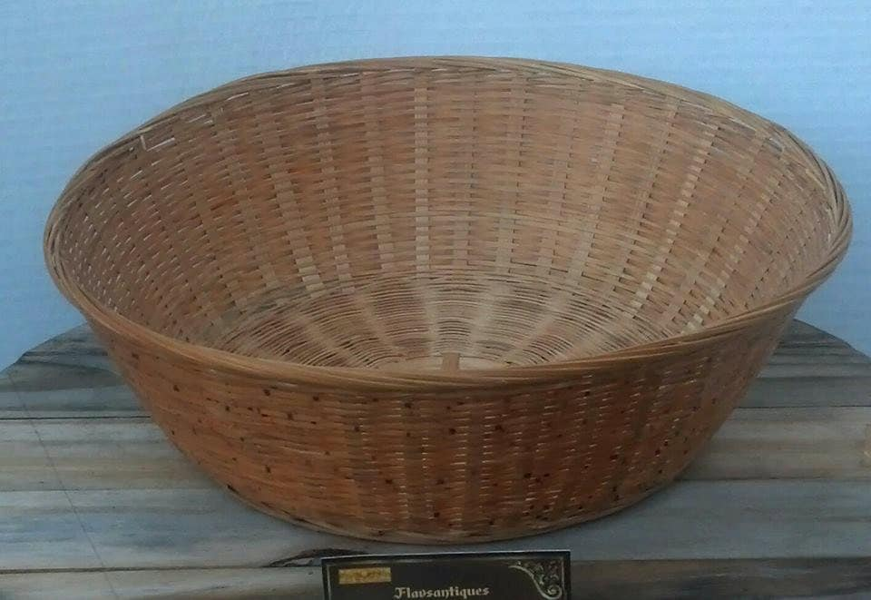 Collectible reed woven round fruit basket brown wicker for Wicker reed